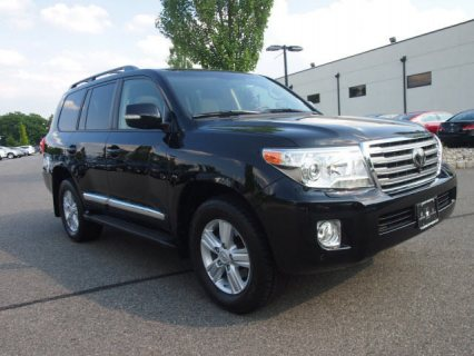 صور 2013 Toyota Land Cruiser V8 SUV 1