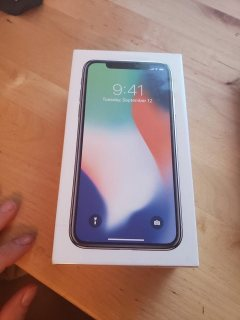 Apple iPhone X - 256GB - Silver مختوم جديد