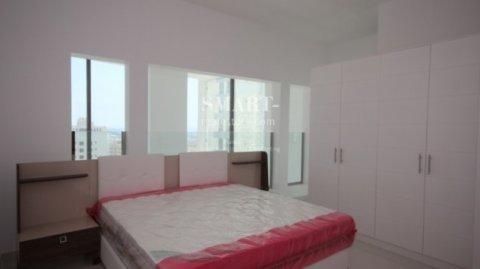شقة ثلاثة غرف من طابقين بمنطقة الجفير