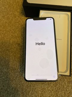 صور Apple iPhone 11 Pro 64GB = $600, iPhone 11 Pro Max 64GB = $650, iPhone 11 64GB 5