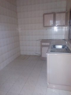 شقه 2 غرفه نوم للايجار في البسيتين قريبه من حديقه علاء الدين