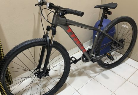 Trek bike 2020 size 29