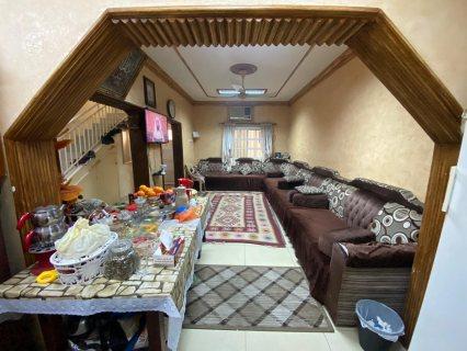 للبيع بيت من طابقين في الحد مساحته: ??    الطابق الاول غرفة نوم