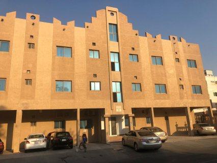 بنايه سكنيه للبيع في الرفاع الشرقي في منطقه بوقواره البنايه مكونه من 12 شقه