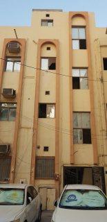 بنايه سكنيه للبيع في المحرق بالقرب من مسجد الشيخ حمد شارع السوق