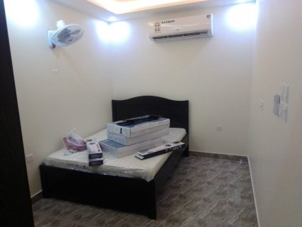 للايجار استوديو جديد مفروش كامل مع الكهرباء في المحرق بجوار مسجد فليفل