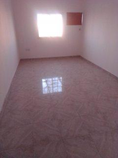 شقه 2 غرفه نوم كبيره للايجار في الرفاع في منطقه الحجيات