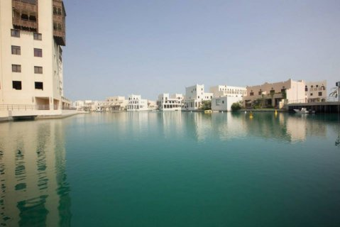 FULLY FURNISHED VILLA 2 bedroom 1000 bd in amwaj