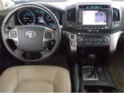 صور  URGENT SALE 2011 TOYOTA LAND CRUISER V8 2