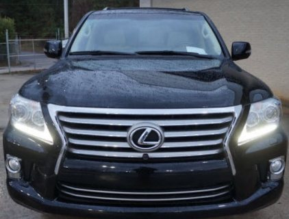 2013 LEXUS LX 570 FAMILY SUV..